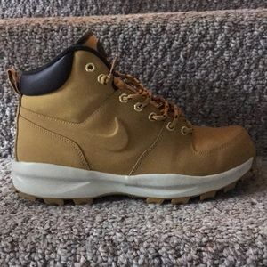Excellent LIKE NEW condition Nike Work Boots